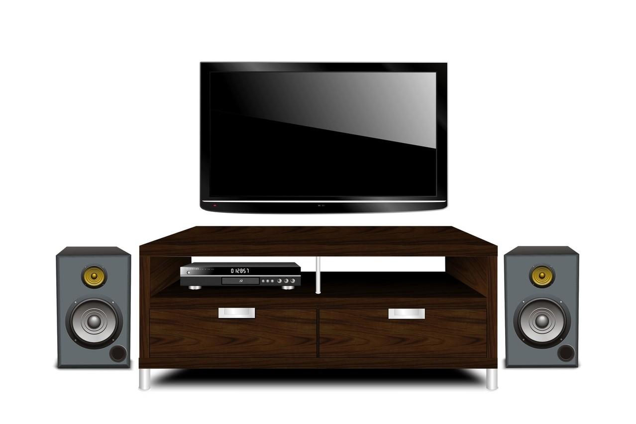 Na jakie właściwości techniczne zwrócić uwagę przy wyborze kina domowego?